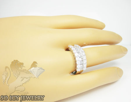 Ladies 18k white gold baguette diamond wedding band 1.87ct