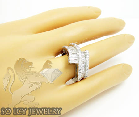 Ladies 18k white gold baguette diamond fashion ring 2.00ct