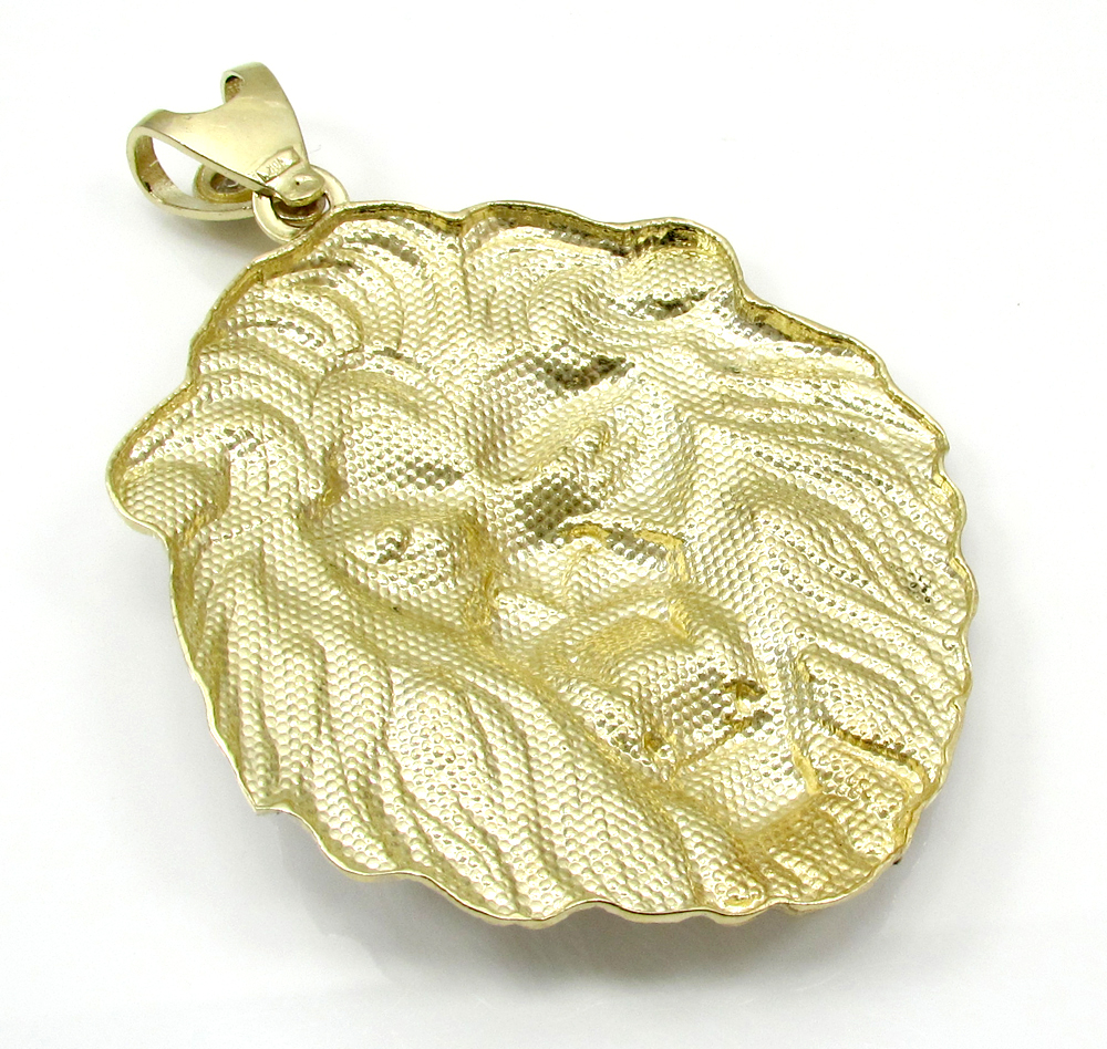 10k yellow gold large two tone lion pendant 0.10ct