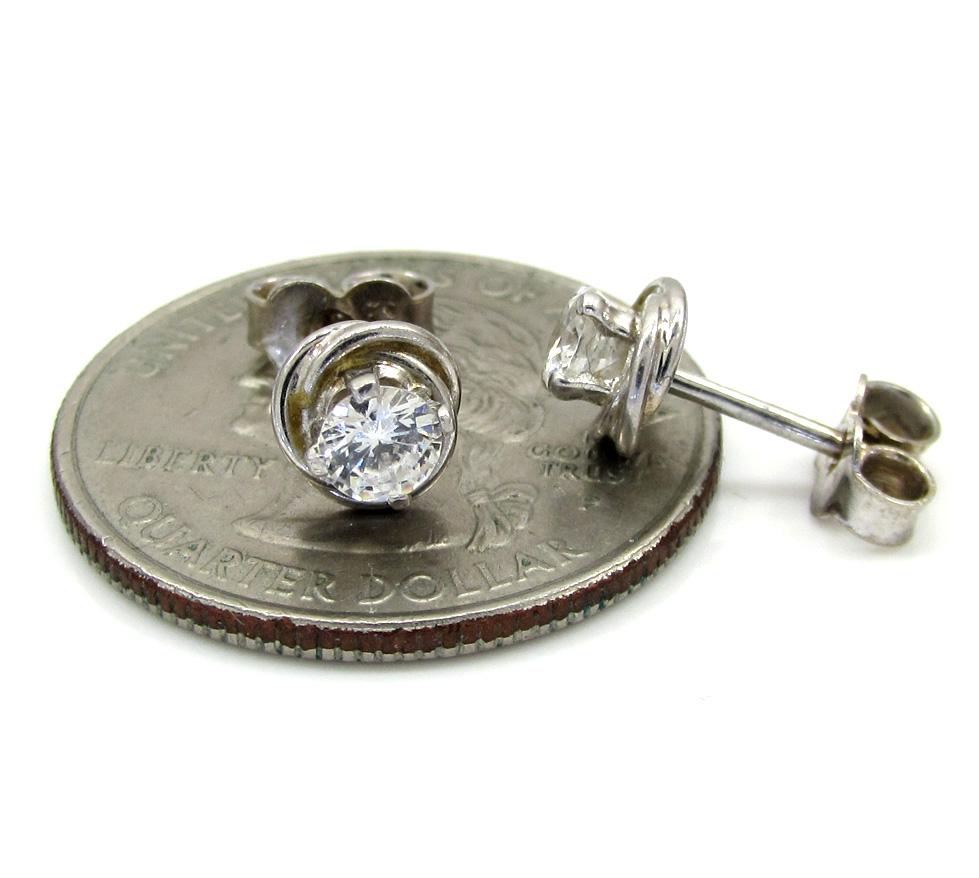 Ladies 18k white gold flower diamond stud earrings 0.50ct