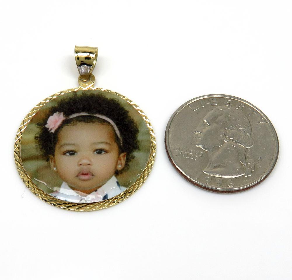 14k yellow gold medium picture pendant