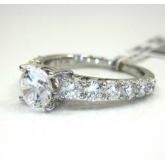 18k White Gold Graduating Stone Engagement Ring 1.26ct
