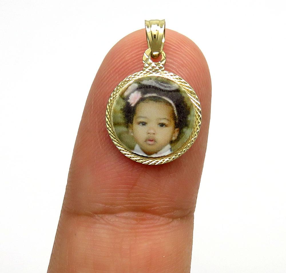 14k yellow gold mini picture pendant